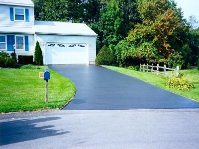 asphalt-driveway-seattle-wa.jpg