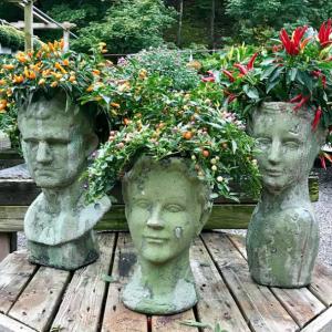 Brownstone_Mill_Fairway_Estate_Garden_Center_Flowers_Ladies.png