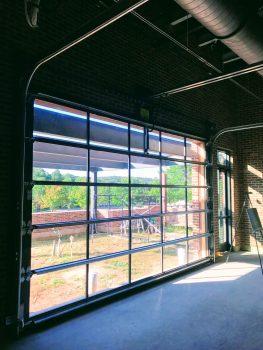 glass-garage-door-modern-5c74394bbc38e.jpg
