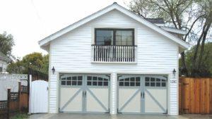 img-amarr-residential-garage-door-10-400x225.jpg