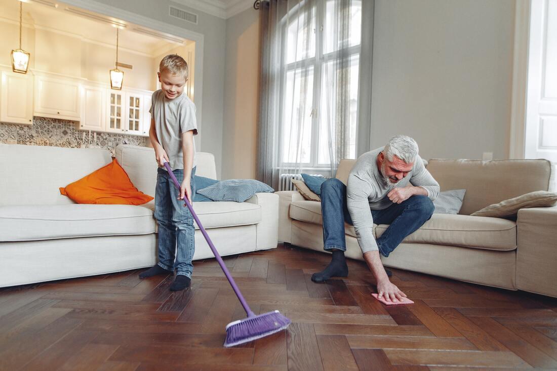 photo-of-man-cleaning-the-floor-3890198_orig.jpg