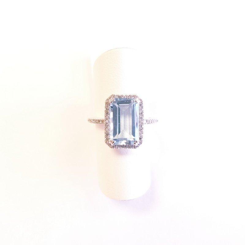 14k-white-gold-blue-topaz-halo-ring-with-diamonds-r00020-2-800x800.jpg