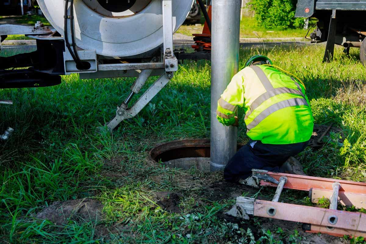 4-main-causes-of-sewer-damage.jpg