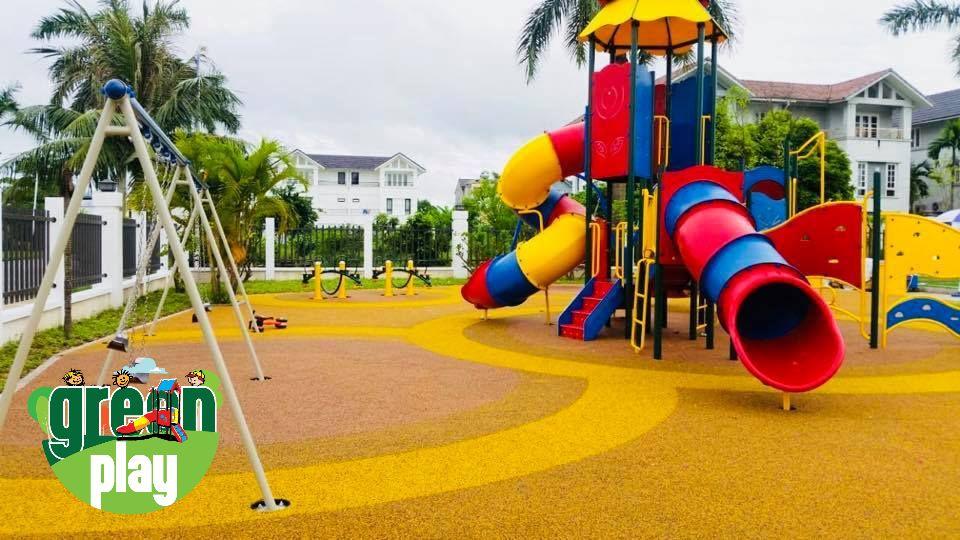 outdoor play equipments.jpg