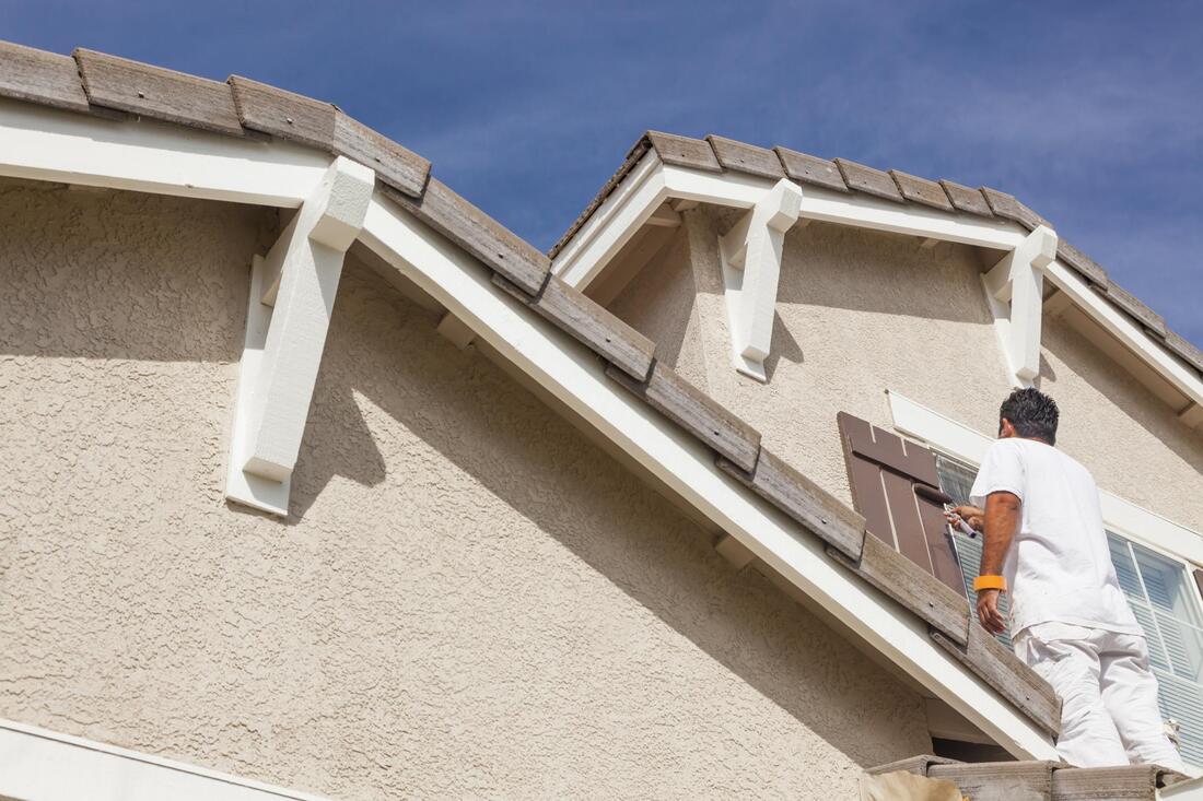 house-painting-and-drywall-repair-exterior-painting-1_orig.jpg